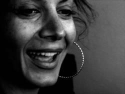 Frau Sitil lacht