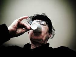kurzer Besuch mit kaltem Kaffee