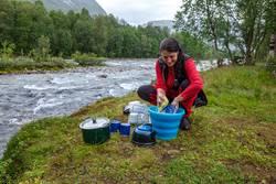 Abwasch in der Wildnis