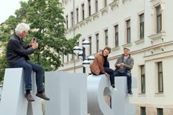 Spaß auf den Riesenbuchstaben | AST10 Chemnitz
