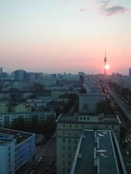 Sonne kitzelt Fernsehturm