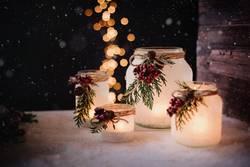 Winterliche Windllichter zur Weihnachtszeit