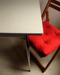 Raum + Tisch + Stuhl