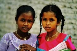 Malediven - Schulmädchen