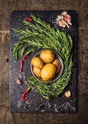 Kartoffeln mit Rosmarin, Knoblauch und Gewürze, Zutaten