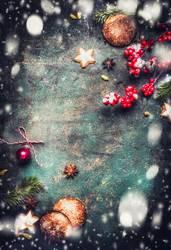 Weihnachten Hintergrund mit Plätzchen, Lebkuchen und Schnee