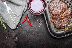 Steak und Rotwein