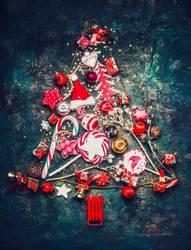 Weihnachtsbaum mit rote Dekoration