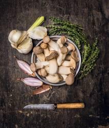 Kräuterseitlinge .Vorbereitung fürs Kochen