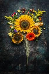 Herbst BlumenStrauß mit Sonnenblumen