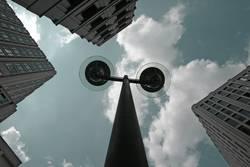 Dreigestirn mit Strassenlampe