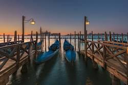 Langzeitbelichtung Gondeln in Venedig
