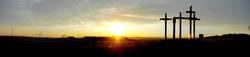 Kreuze im Sonnenuntergang ...