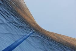 Am Boden des Trampolins