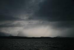 Unwetter über dem Thunersee