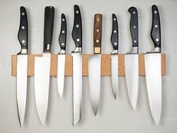 magnetischer Messerhalter an der Wand