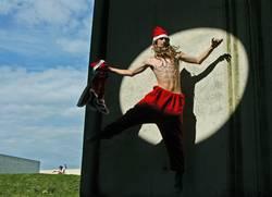springender Weihnachtsmann
