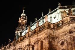 Schlosskirche Dresden bei Nacht