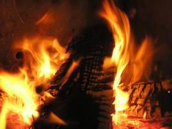 leidenschaftliches Kaminfeuer
