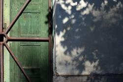 Tür vs. Schatten
