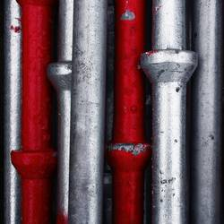Rohre Stangen Silber Rot