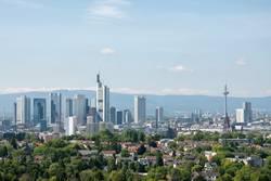Frankfurter Skyline mit Grüngürtel