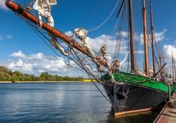 Historisches Segelschiff im Hafen von Kappeln
