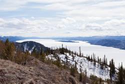 Gefrorener Lake Laberge Ende April