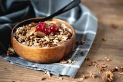 Yogurt with cereals and cranberries