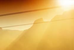 Bergkette im Sonnenschein