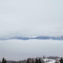 zwischen den wolken