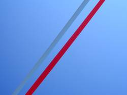 Diagonal gestreift.