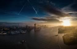 Die Elbphilharmonie im Morgennebel