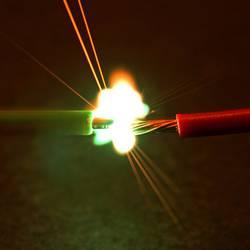 Feuriger Lichtbogen bei einem Hochspannungs-Kurzschluss.........