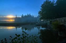 Sonnenaufgang am Schloss Chambord