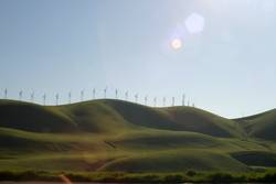 landschaft mit windrädern