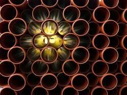Rohre aus Kunststoff geben Durchblick und Erleuchtung