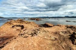 Stein, Wasser, Wolken, Schottland