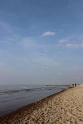 Seifenblasen am Strand