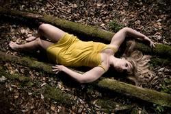 Alice in Gelb