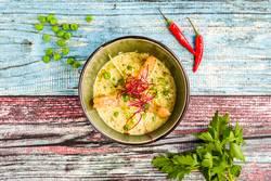 Kokos Erbsen Suppe mit Garnelen