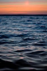 Blau-roter Sonnenuntergang