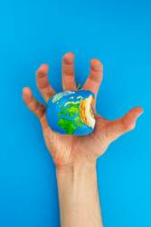 #AS# You Have Got The Whole World In Your Hands