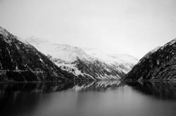 Stausee im Zillertal im Winter