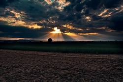 Sonne vs. Wolken