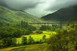 Glenfinnan Eisenbahn Viadukt bei Loch Shiel in Schottland