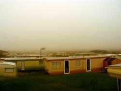 Trailerpark im Nebel