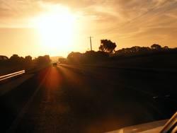 Auf zum Fluchtpunkt, in den Sonnenuntergang hinein