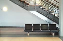 Sitzreihe am Flughafen