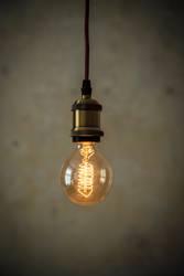 Vintage Glühirne vor Patina Wand